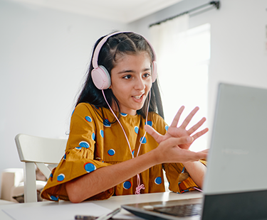 Teachers Weigh In on the Best Distance Learning Approaches